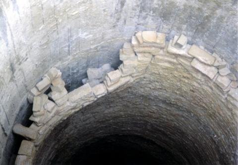地震による内部煉瓦損傷例その1