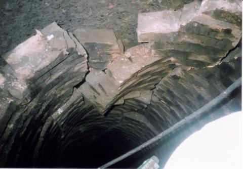地震による内部煉瓦損傷例その2