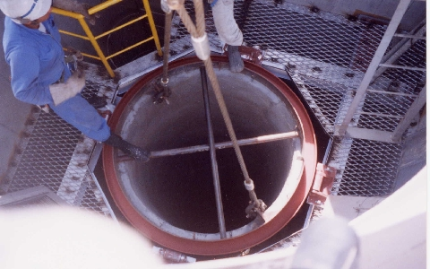 RC製独立型煙突(内筒建て込み状況)